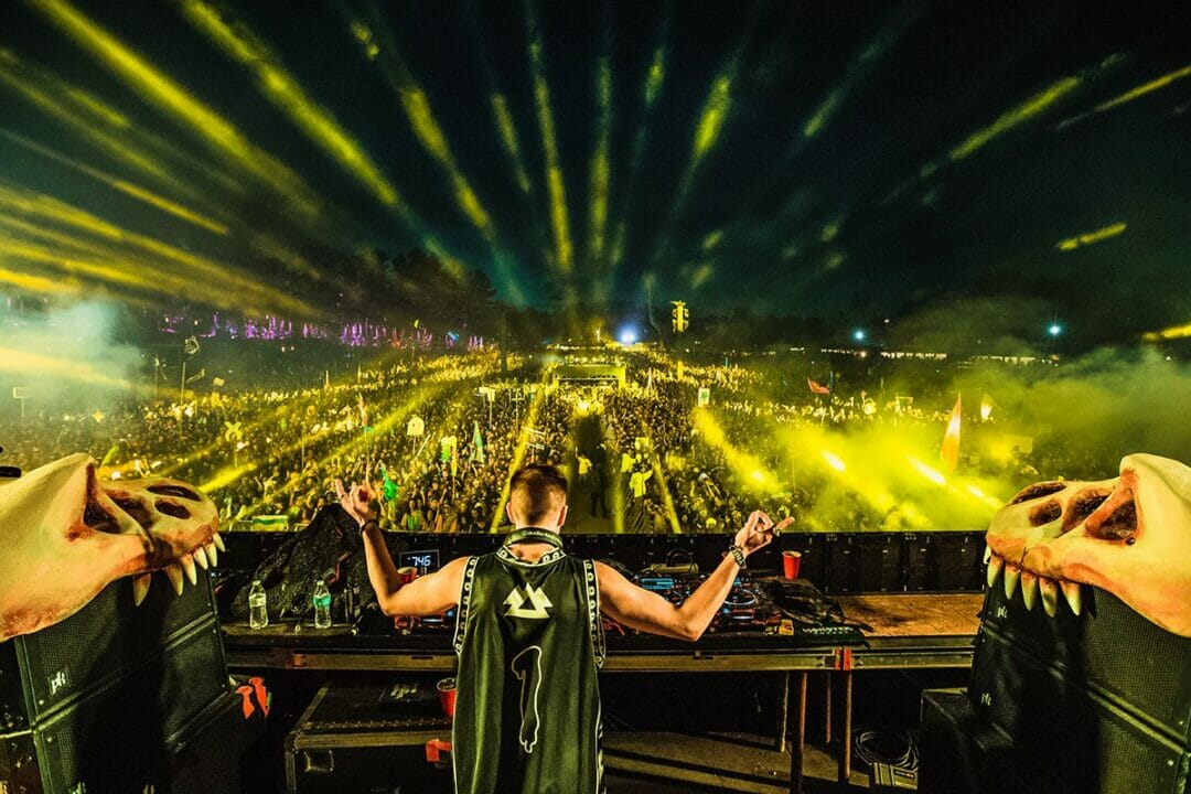 Photo of Liquid Stranger performing a set