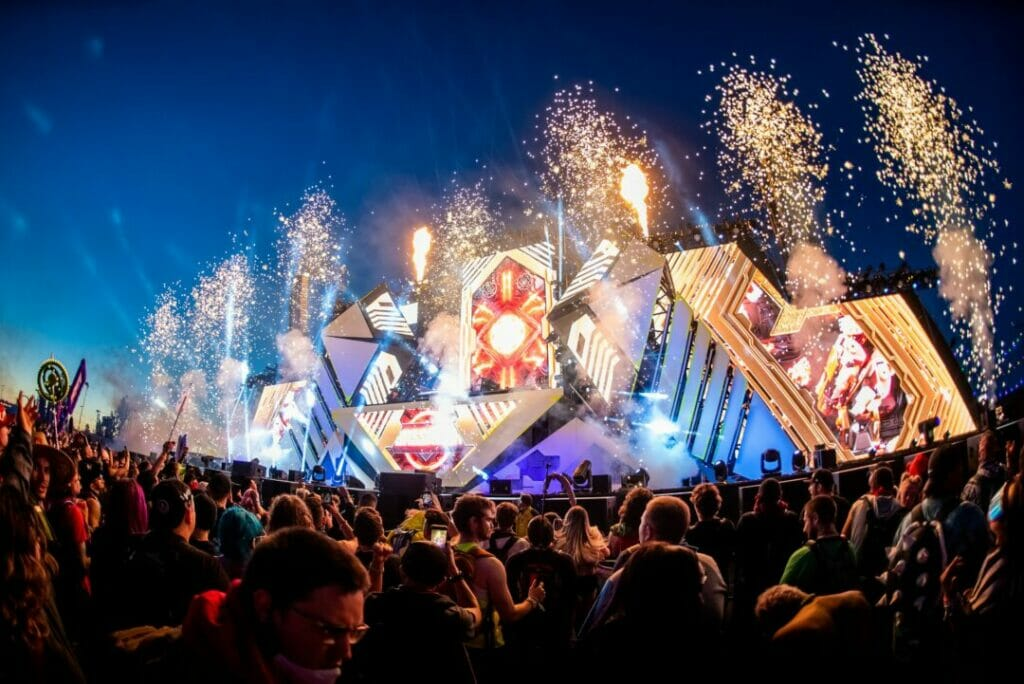 EDC Las Vegas 2019 Basspod fireworks; The Glitch Mob and Liquid Stranger