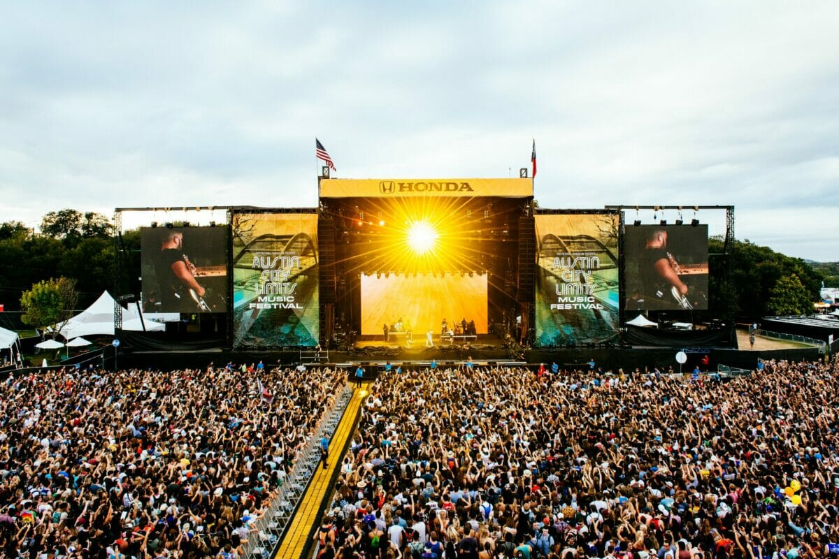 ACL 2018 stage and crowd shot.