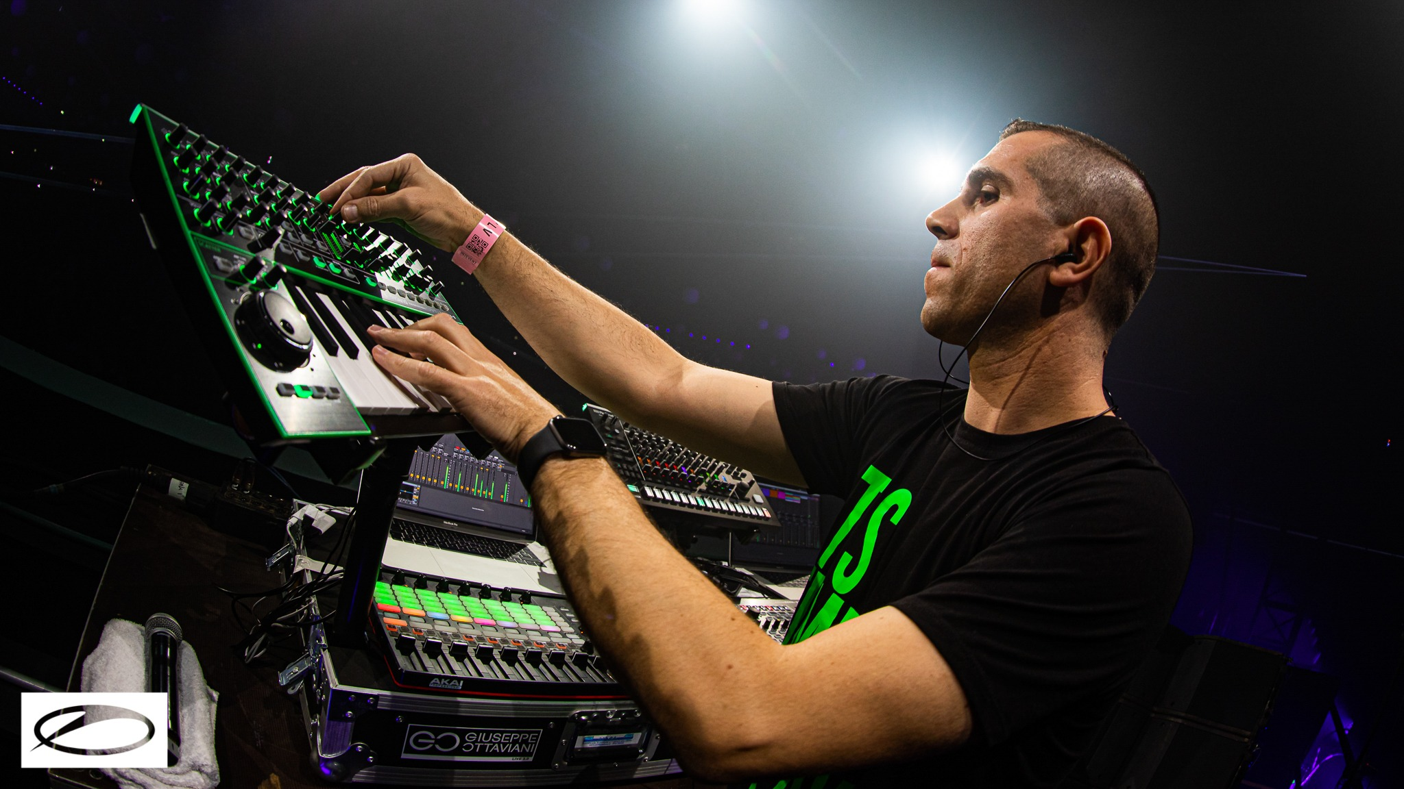 The maestro of trance working his magic with his new Live 3.0 set up | Image via ALDA