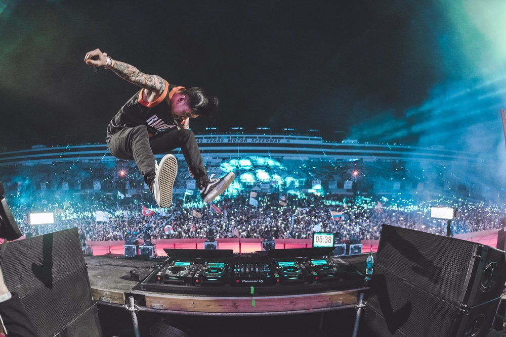 Yultron jumps off decks in front of EDC Las Vegas