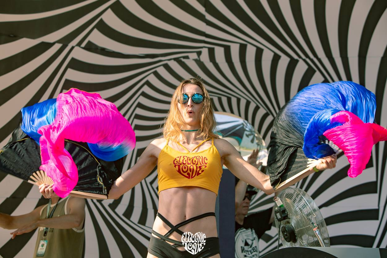 electric love festival dancer girl fans wormhole stage